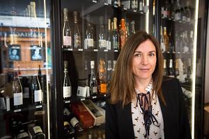 ワインブーケの評判と口コミ。ワインブーケはパリでおすすめのワインをパリのショップから直接ネットから選べてお取り寄せができます。まるでパリ旅行で買うのと同じ、現地でしか買えないワインの通販で、その取扱いショップに中にはシャンパーニュ専門店もあります。ワインブーケ評判口コミ