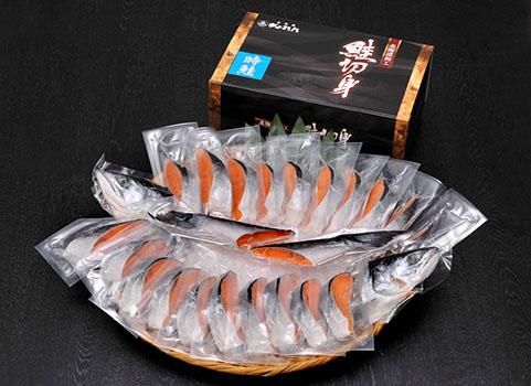 紅鮭切り身、時鮭、鮭児などギフトでも喜ばれる高級鮭通販ランキング。口コミランキング上位常連の国産、北海道鮭通販、紅サケの切り身、時鮭(ときしらず)、新巻鮭、鮭児(ケイジ)などの高級鮭のお取り寄せを比較してまとめてみました。美味しい!高級鮭選びにお役立ち出来たら幸いです。北海道ぎょれん高級鮭ランキング時鮭480-350