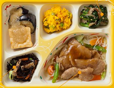 気くばり御膳口コミ豚肉生姜焼き風おかず5種。気くばり御膳,ニチレイフーズ,口コミ,総菜,ヘルシー,冷凍食品,ニチレイフーズダイレクト