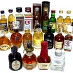 飲み比べセットウィスキーミニチュア400。ウィスキー,飲み比べセット,箱詰めギフト,モルト,日本酒,甘口,ワンカップ,誕生日,地酒,ワイン,ビール, 焼酎,ウイスキー,おしゃれ,グラス,器,プレゼント,英語,父の日,通販,お取り寄せ,ランキング,おすすめ,口コミ,人気,評判,ギフト,取り寄せ,送料,無料,税込,税抜,発送